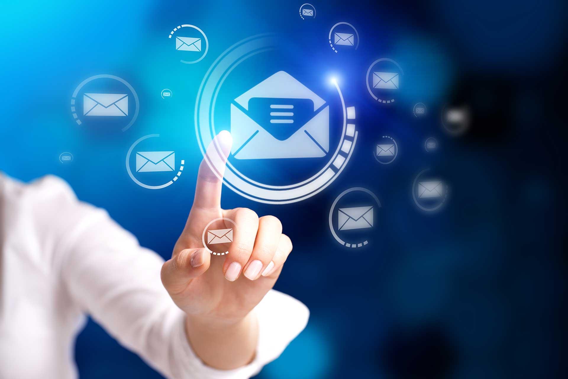 emailing mano dedo